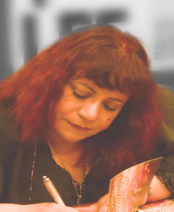 En el Lanzamiento del Libro Los Geranios Sólo Florecen en la Noche, en la FILSA 2013